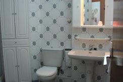 4432 ST bathroom