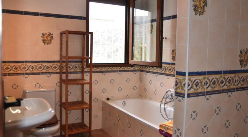 6514 VI3 prestigious villa in Alcaucin (15,9)